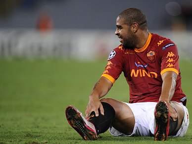 Adriano pára 3 semanas por lesão