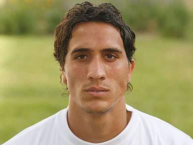 Daniel Mustafa assina até final da época