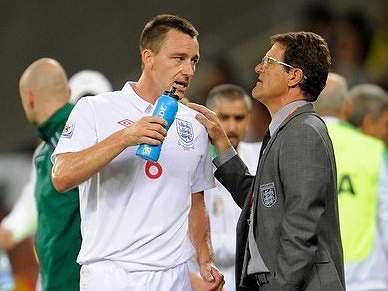 John Terry volta a ser capitão