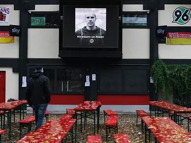Benfica homenageia Enke