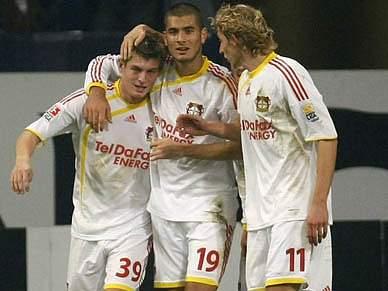 Leverkusen assume liderança isolada