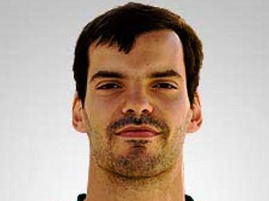 Hugo Rocha é leão até 2012
