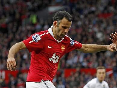Giggs poderá renovar pelo United