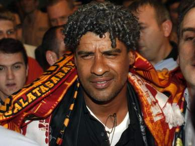 Rijkaard na lista do Liverpool
