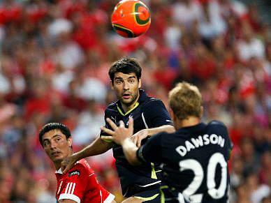 Tottenham vence Benfica