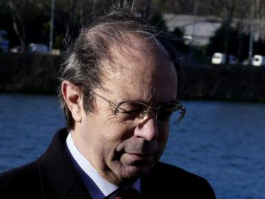 Carlos Encarnação critica remodelação do estádio