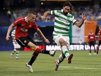 Samaras é alvo dos leões