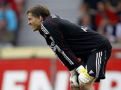 Leverkusen fixa indemnização de Adler em 20 milhões de euros
