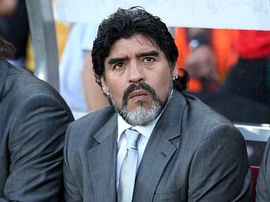 FIFA não abrirá inquérito às declarações de Maradona sobre Pelé e Platini