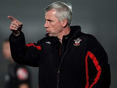 Alan Pardew é o novo treinador
