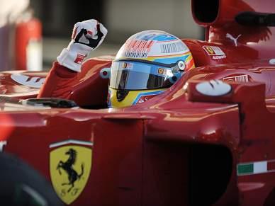 Alonso e Ferrari impõem-se no regresso de Schumacher