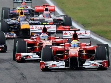 Segunda vitória de Alonso em 2010 fica envolta em polémica