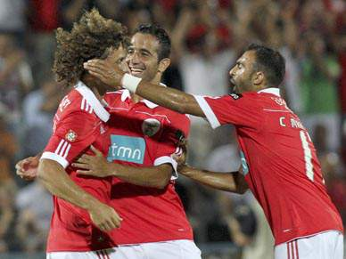 Benfica faz tremer adversários