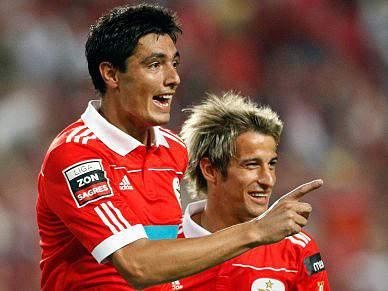 Cardozo coloca Benfica em vantagem