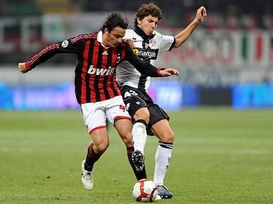 Oddo prolonga vínculo com AC Milan por um ano