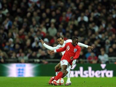 Inglaterra de Capello bate Egipto por 3-1