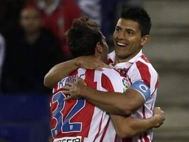 Atlético Madrid supera Levante com bis de Aguero