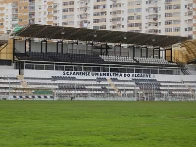 Solução financeira passa pela venda do estádio