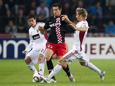 PSV vence Benfica por 2-1