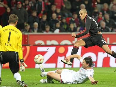 Bayer e Bayern anulam-se e perdem terreno