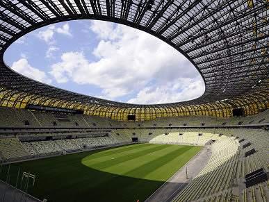 FC Porto vai inaugurar estádio do Euro 2012