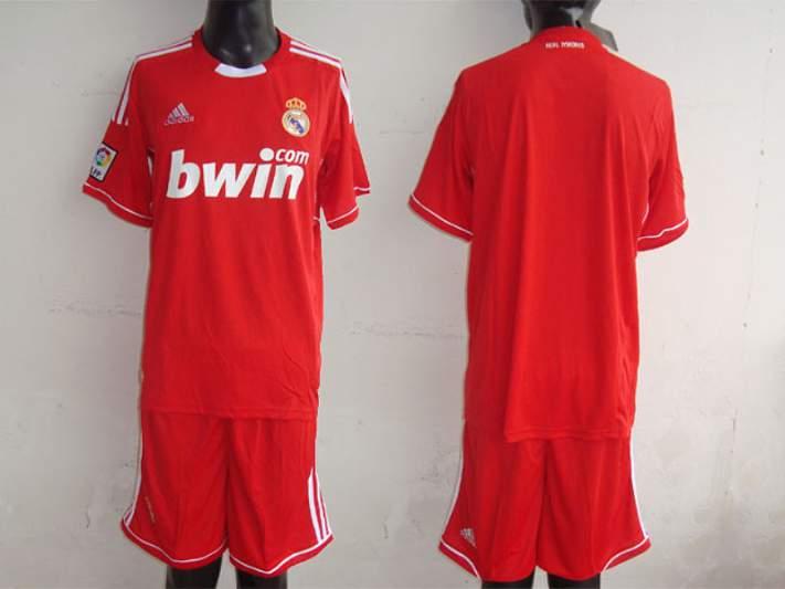 Real Madrid veste de encarnado em 2011/2012