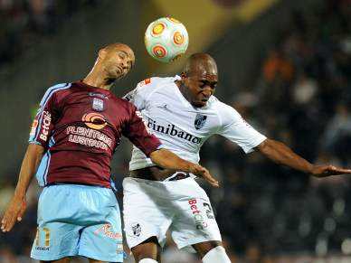 Guimarães tenta regressar ao segundo lugar