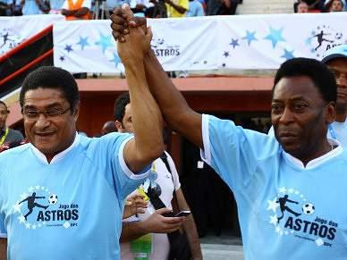 Jogo de solidariedade reuniu Pelé e Eusébio