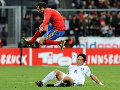 Espanha vence, mas não convence