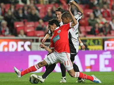 Benfica abdica do título e depois empata com Portimonense