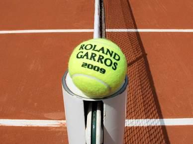 Roland Garros mantém-se em Paris