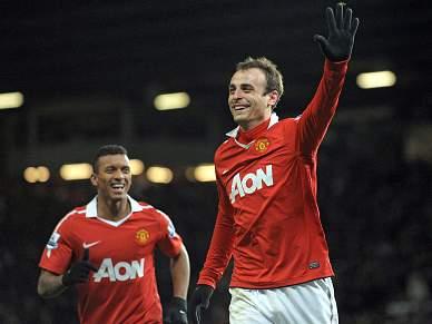 Manchester United assume a liderança provisória