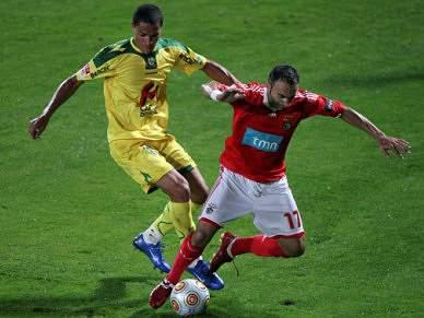 Benfica recebe Paços a 7 de Março
