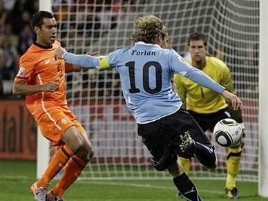 Uruguai e Holanda reeditam meia-final do Mundial