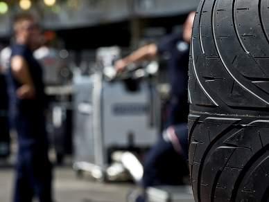 Pirelli pode ser a marca oficial de pneus
