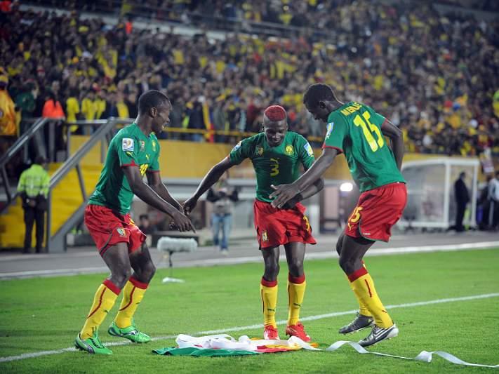Camarões surpreendem Uruguai e garantem 'oitavos'