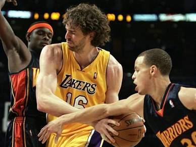 Lakers batem Warriors