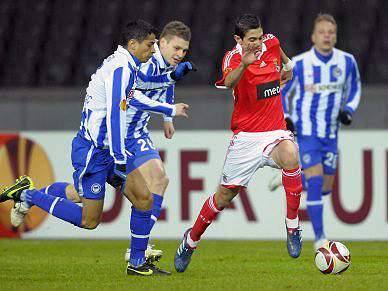 Infelicidade de Javi oferece empate ao Hertha