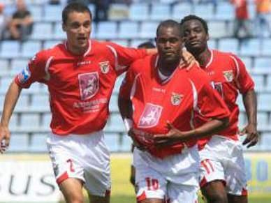 Santa Clara vence Belenenses por 2-0