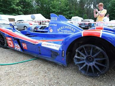 Nigel Mansell sofre comoção cerebral