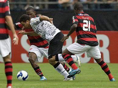 Flamengo ascende à liderança a uma jornada do fim