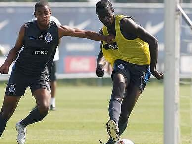 Oliveirense assegura avançado Yero por empréstimo do FC Porto