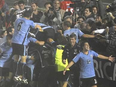 Uruguai arrasa Indonésia