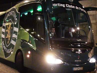 Autocarro do Sporting chega ao Dragão sem problemas