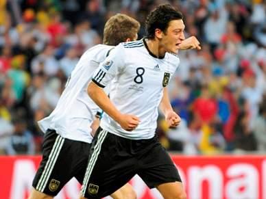 Özil perto de assinar pelo Barcelona