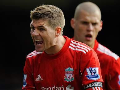 Everton bate Liverpool de Meireles