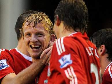 Liverpool goleia e sobe ao 5º lugar