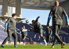 FC Porto e Chelsea disputam liderança