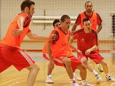 Benfica fecha Intercontinental com vitória