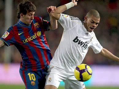 Barcelona e Real Madrid empatam ao intervalo